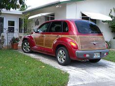Chrysler PT Cruiser red woody