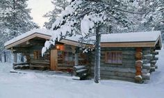.Love this log cabin. t
