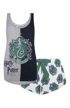 Slytherin Harry Potter PJ Set- need! Harry Potter Mode, Estilo Harry Potter, Slytherin Harry Potter, Harry Potter Merchandise, Slytherin Pride, Harry Potter Style, Harry Potter Outfits, Harry Potter World, Harry Potter Pyjamas