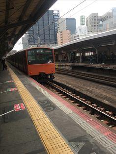 大阪環状線。 東京では見れなくなった型式が活躍中