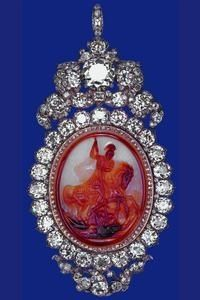 The Diamond Cameo Badge: originally made for George IV, the badge was given as a wedding present to Prince Albert from Queen Victoria, who wore it after his death.