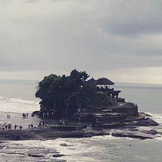 Templo Tanah Lot. Bali. #ocitrip #ocitripclientes #bali #tanahlot #misclientes #agenciadeviajes #holidays #vacaciones2016 #misclientesporelmundo #lomejoresviajar