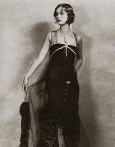Dolores Costello, silent film star and grandmother to Drew Barrymore 20s Fashion, Art Deco Fashion, Fashion History, Vintage Fashion, Hollywood Glamour, Classic Hollywood, Old Hollywood, Hollywood Stars, Style Année 20