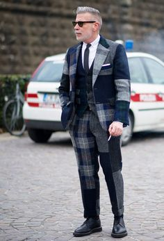 Nick Wooster street-style blue/grey 3-piece-suit, wool tie, brogue shoes