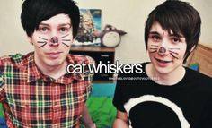 Phil Lester and Dan Howell (Amazing Phil and Danisnotonfire) <333 =^-^=