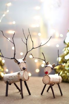 How to Make a Birch Wood Reindeer, How to Make a Birch Wood Reindeer A reindeer decoration made from birch branches and twigs is easy to create with a few simple tools. A reindeer decor. Twig Crafts, Nature Crafts, Christmas Projects, Holiday Crafts, Food Crafts, Rustic Christmas Crafts, Driftwood Crafts, Upcycled Crafts, Summer Crafts