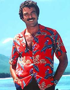 Magnum P. - - this TV show caused a rush on Ferrari sales and boosted tourism for destinations in Hawaii three fold. Not to mention turning the gorgeous Tom Selleck into a household name. Tom Selleck, Look 80s, Magnum Pi, Into The Fire, Famous Movies, Aloha Shirt, Vintage Hawaiian, Classic Tv, Looks Cool