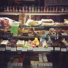#cake #cakes #chocholate #sugar #color #caramel #colorful #torta #süti #sütemény # Mai sütemény kínálatunk ! ❤️