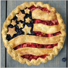 of July American Flag Pie - Tiny Pies - Coterie Market Desserts Fourth Of July, Fourth Of July Food, 4th Of July Party, Just Desserts, Delicious Desserts, July 4th, 4th Of July Ideas, 4th July Cupcakes, Patriotic Cupcakes