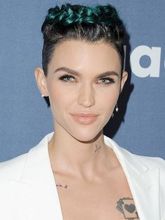 Ruby Rose downplayed her green hair at the GLAAD Awards by tying it into a gorgeous halo braid updo