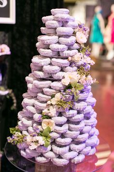 lavender wedding donuts / http://www.himisspuff.com/wedding-donuts-displays-ideas/3/