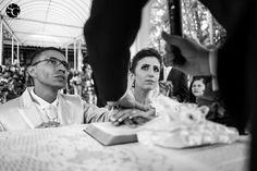 #wedding #weddingphotography #weddingphotojournalism #bride #groom #novios #novios #ceremony #matrimonio #cerimonia #chacarafloresta #fotografiacasamentosp #sonyimages #sony #a7ii #fotojornalismocasamentosp #biblia #holybible #pray