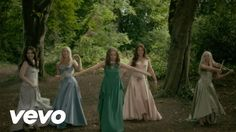 Tap the image to animate the gif.🎤🎻Celtic Woman - Tír na nÓg ft. Oonagh - Love this celebration of beautiful femininity! Pagan Music, Celtic Music, Folk Music, Wiccan, Celtic Paganism, Illustration Fantasy, Lisa Kelly, Celtic Thunder, Beautiful Songs