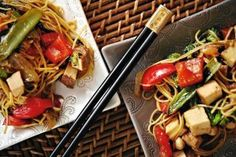 Warzywa stir-fry z tofu Kung Pao Chicken, Stir Fry, Tofu, Fries, Treats, Dinner, Ethnic Recipes, Diet, Sweet Like Candy
