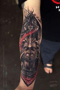 Lord Shiva-Kali Tattoo by Sunny Bhanushali at Aliens tattoo India Hindu Tattoos, God Tattoos, Religious Tattoos, Body Art Tattoos, Sleeve Tattoos, Tatoos, Buddha Tattoo Design, Shiva Tattoo Design, Buddha Tattoos