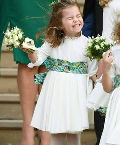 Prince George was a page boy and Princess Charlotte a bridesmaid for Princess Eugenie's royal wedding. Princesa Eugenie, Princesa Charlotte, Princesa Diana, Princess Elizabeth, Princess Kate, Eugenie Wedding, Lady Louise Windsor, Elisabeth Ii, Royal Look
