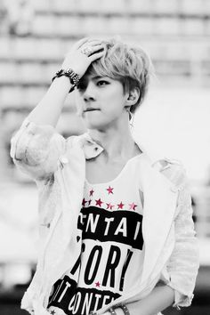 Discovered by 𝐸𝒳𝒪 ️ϟ. Find images and videos about kpop, exo and sehun on We Heart It - the app to get lost in what you love. Baekhyun, Hunhan, Kris Wu, Kai, 2ne1, Shinee, Taemin, Got7, Rapper