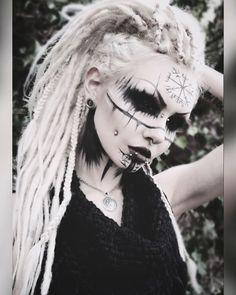 may contain: 1 person, closeup - Frauen .all Art -Image may contain: 1 person, closeup - Frauen .all Art - Goth Makeup, Makeup Art, Demon Makeup, Halloween 2019, Halloween Costumes, Makeup Inspiration, Character Inspiration, Viking Makeup, Fantasias Halloween