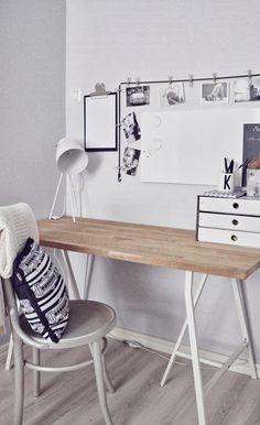 Työpöytä ikeasta Home Office Desks, Office Decor, Desk Inspiration, Guest Room Office, Scandinavian Home, Boy Room, Home Accessories, Room Decor, Interior Design