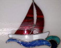 Gebrandschilderd glas zeilboot blauw water door Firelightglassart