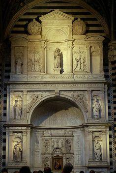 Siena, Duomo Santa Maria Assunta, Piccolomini-Altar von Andrea Bregno | da HEN-Magonza