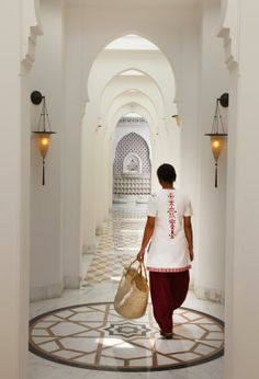 The Imperial Spa corridor, www.stylecity.in