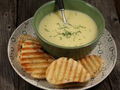 Veloute+de+cartofi+cu+toast+cu+leurda Car, Fondue, Toast, Soups, Automobile, Cars, Soup, Autos, Toasting Flutes