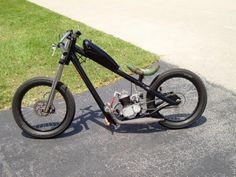 . Mini Chopper, Chopper Bike, Triumph Motorcycles, Vintage Motorcycles, Gas Powered Bicycle, Diy Go Kart, Build A Bike, Bike Magazine, Motorised Bike