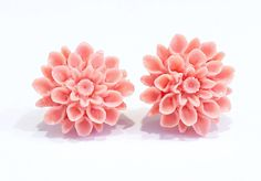 Salmon Dahlia Earrings, Coral Mum Earrings, Flower Earrings, Flower Cabochons, Post Earrings, Stud Earrings, 16mm Earrings, Floral Earrings by MissyRoseStudios on Etsy https://www.etsy.com/listing/482832397/salmon-dahlia-earrings-coral-mum