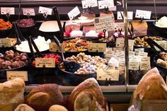 A Local's Guide to all the best Eats in Pike Place Market | The Flourishing Foodie | Bloglovin'