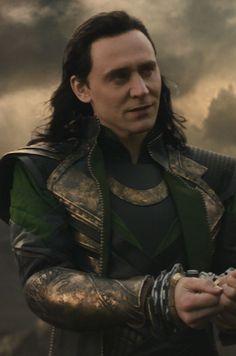 Best Marvel Characters, Marvel Films, Loki Thor, Tom Hiddleston Loki, Loki Laufeyson, Marvel Fan, Marvel Avengers, Marvel Villains, Marvel Heroes