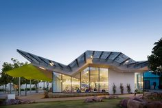 Pico Branch Library (United States) by Koning Eizenberg Architecture Inc.