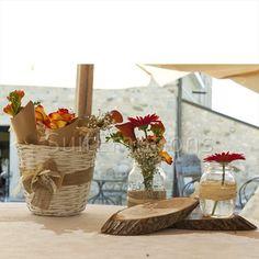 Suitemotions - Organizzazione eventi su misura Wicker Baskets, Wedding Planner, Table Decorations, Furniture, Home Decor, Wedding Planer, Decoration Home, Room Decor, Wedding Planners