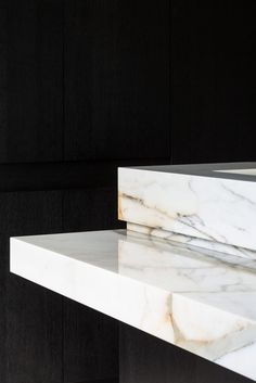 Kitchen counter detail - VILLA GS Belgium by Architectslab - Il Granito natuursteen Architecture Details, Interior Architecture, Marble Countertops Bathroom, Marble Polishing, Stone Bar, Joinery Details, Minimal Kitchen, Architectural Elements, Furniture Inspiration