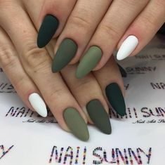 cute autumn nail designs you'll want to try 42 ~ Modern House Design Summer Acrylic Nails, Best Acrylic Nails, Matte Nails, Matte Green Nails, Stylish Nails, Trendy Nails, Fire Nails, Clean Nails, Nagel Gel