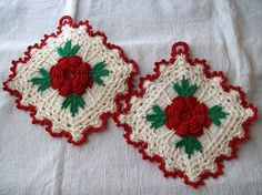 Vintage Rose Crocheted Pot Holders @ thevintagevillage