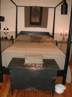 time to change Primitive Country Bedrooms, Primitive Bedding, Rustic Primitive Decor, Primitive Living Room, Primitive Bathrooms, Farmhouse Bedrooms, Colonial Home Decor, Colonial Furniture, Colonial Decorating