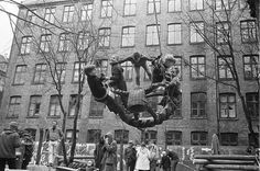 1950s spanish playground | In 1968, a Copenhagen backyard was transformed into an urban ...