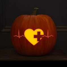heart beat pumpkin lantern bring an eye catchy romantic touch