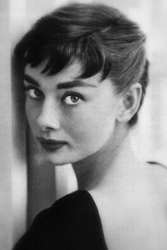 Girl from Outer Space--Audrey Hepburn. the elf from everywhere. So lovely and just a bit frightening. She achieves the Look with wit and sophistication. Deliberately theatrical, she fools no one--and never herself. Audrey Hepburn Pixie, Baby Bangs, Gamine Style, Just Dream, Julia, Mannequins, Beautiful Eyes, My Idol, Hair Inspiration