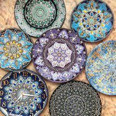 Ruská umelkyňa vytvára taniere
