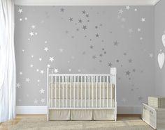 Argent confettis étoiles Stick sur argent Art mural vinyle mural Sticker autocollant étoiles sticker étoile d'argent ensemble pour chambre de bébé par DecalIsland-SD 092