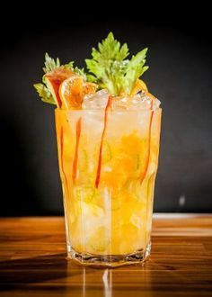 Classic Cocktails, Fun Cocktails, Cocktail Drinks, Happy Hour, Bar Drinks, Cold Drinks, Refreshing Drinks, Summer Drinks, Drinks Alcohol Recipes