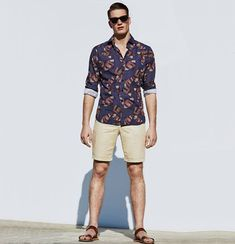 Floral shirt outfit for men 25 ways to wear guys floral shirts. Mens Fashion Summer Outfits, Casual Summer Outfits, Short Outfits, Men's Outfits, Casual Fall, Casual Wear, Fall Outfits, Floral Shirt Outfit, Floral Shirts