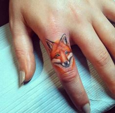 Finger tattoos are becoming popular for men and women. The most popular choice is the wedding ring finger tattoo. Infinity Finger Tattoos, Small Finger Tattoos, Small Tattoos, Tattoo Finger, Finger Tats, Finger Tattoo Designs, Fox Tattoo Design, Design Tattoos, Kunst Tattoos