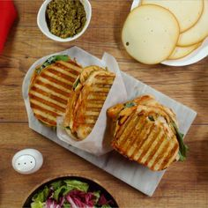 Gourmet Sandwiches, Panini Sandwiches, Bagel Sandwich, Grilled Sandwich, Food Hacks, Tapas, Food To Make, Dinner Recipes, Food Porn