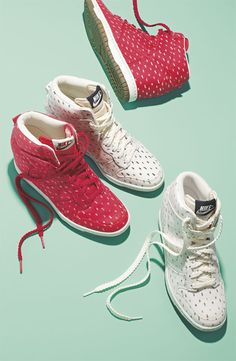 NIKE DUNK SKY HI. I want these nikes  These are so comfortable. I have the navy blue pair. Now I want the white pair.
