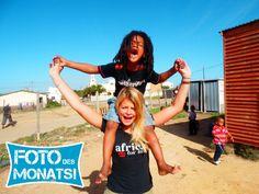 Foto des Monats April 2013 und gleichzeitig auch Foto des Jahres 2013! Lia in ihrem Sozialarbeitsprojekt in #Suedafrika