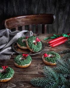 Christmas Donuts, Christmas Mood, Christmas Kitchen, Christmas Morning, Holiday Themes, Christmas Themes, Bunting, Thanksgiving, Autumn Cozy
