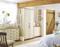 Shaker Wardrobes & Cream Bedroom Furniture From Sharps   House ...